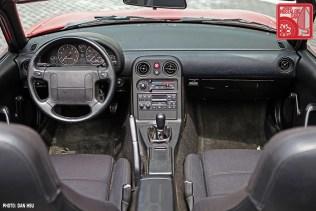 23-6367_Mazda MX5 Miata_Chicago Auto Show red 03