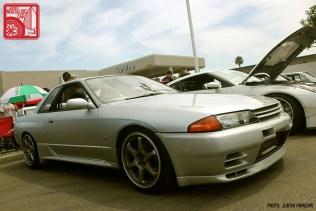110JP5595-Nissan_Skyline_R32