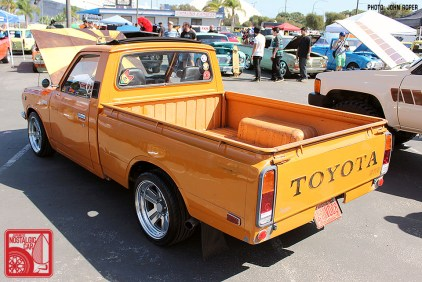 1024-JR1736_Toyota Hilux pickup