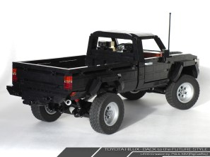 Lego Toyota Hilux Back to the Future 02