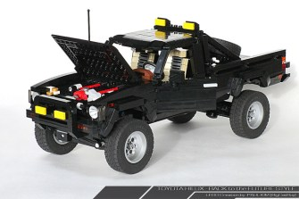 Lego Toyota Hilux Back to the Future 04