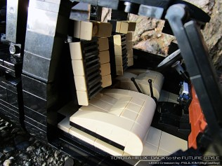 Lego Toyota Hilux Back to the Future 10