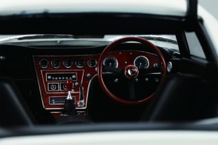 DiAgostini Toyota 2000GT subscription model interior1