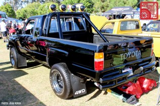 196-JR3872_Toyota HiluxN66-BackToTheFuture