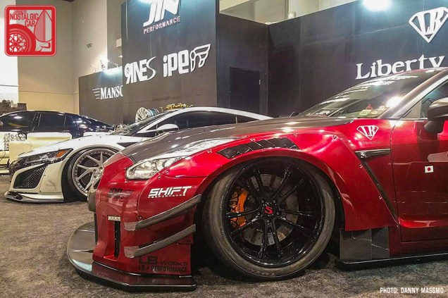 204a-DM8571_Nissan GTR R35 Liberty Walk