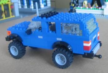 Lego Toyota Land Cruiser FJ60 by L-Rides 02