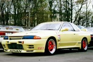 JUN Nissan Skyline GTR R32