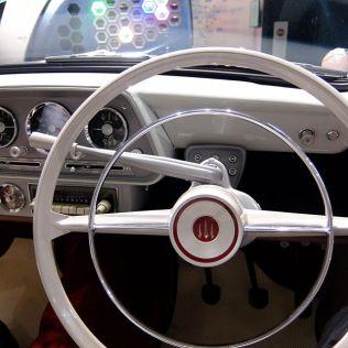 Isuzu Hillman Minx PH400 steering wheel