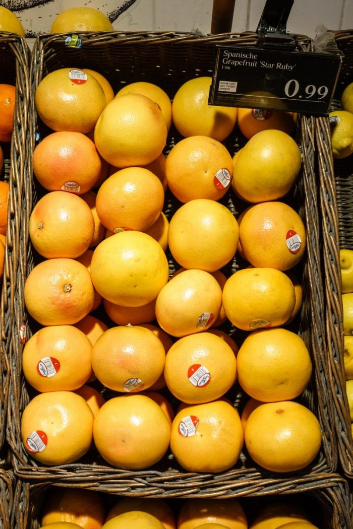 Red-fleshed Star Ruby grapefruit from Spain in a Viennese supermarket.