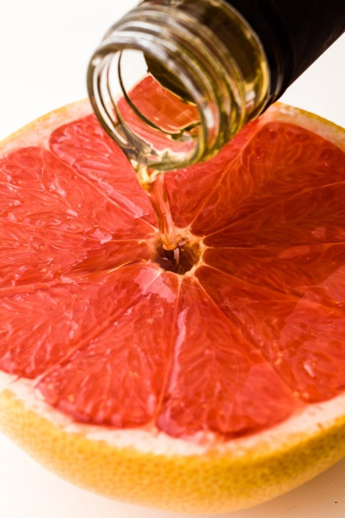 """Clear the center of the grapefruit and pour somevodka (dark <a href=""""https://www.amazon.de/Starka-18624-Russian-Wodka-0-5/dp/B009T2OEUM/ref=pd_sbs_370_2?_encoding=UTF8&amp;psc=1&amp;refRID=07EX260YH5X74TGQK3PK"""" target=""""_blank"""" rel=""""noopener"""">Starka</a>is excellent here) or champagne (or any other sparkling white wine). Campari, Grand Marnier, tequila or rum are obvious alternatives."""