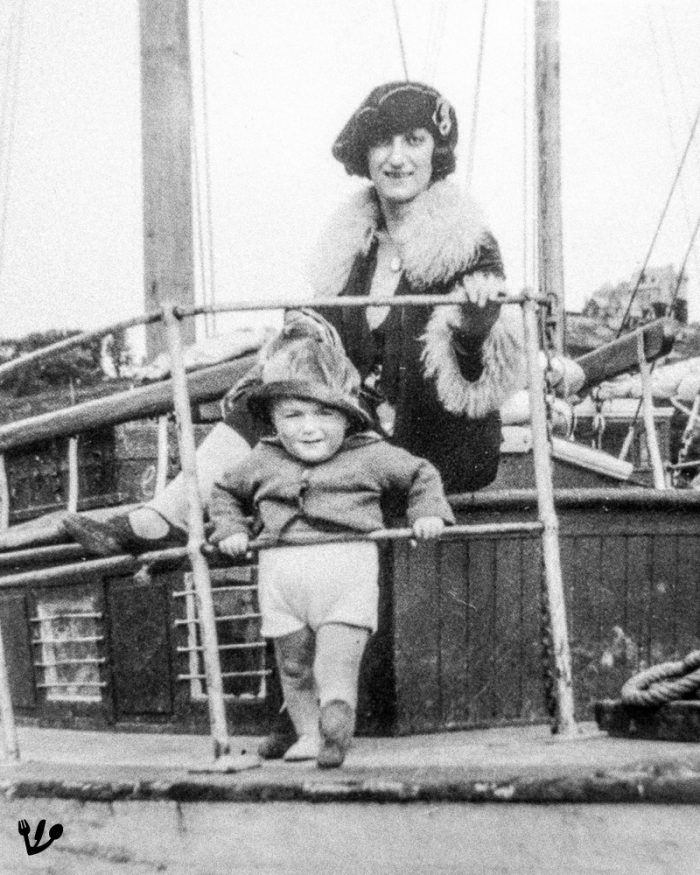 """Little Claude Lanzmann in the same boat with his mother. (Crop from the cover of the original """"Folio"""" French pocket book edition at Gallimard editions """"<a href=""""https://www.amazon.com/Lievre-Patagonie-French-Claude-Lanzmann/dp/2070437787/ref=sr_1_1?ie=UTF8&amp;qid=1537780453&amp;sr=8-1&amp;keywords=9782070437788"""" rel=""""noopener"""">Le Lièvre de Patagonie</a>"""".)"""