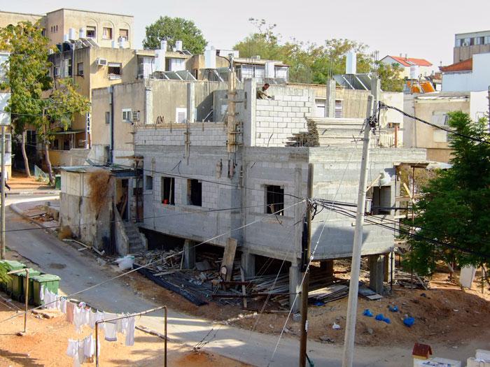 construction site in a Tel Aviv suburb