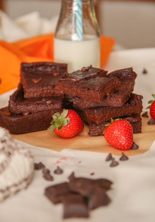 Healthy Brownies #Healthy #Recipes #KatrinasCleanCooking