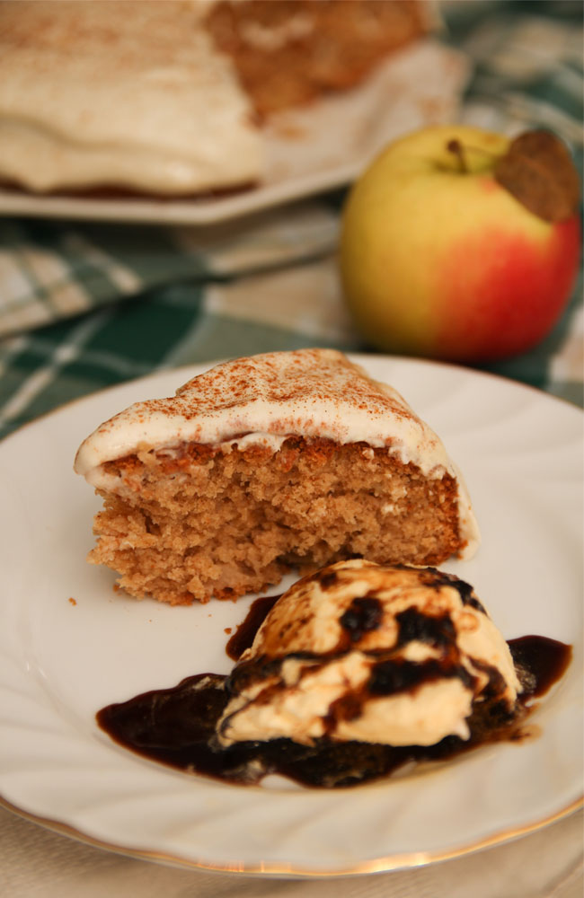 Healthy Apple & Cinnamon Cake (Gluten free) + Cream Cheese frosting