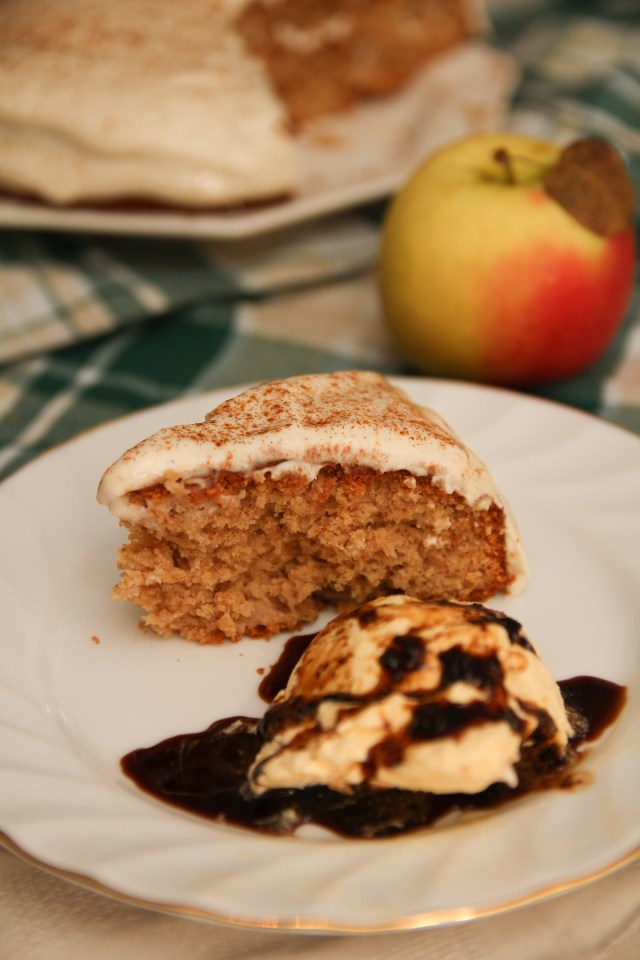 Healthy Apple & Cinnamon Cake #Healthy #Applecake #Cinnamoncake