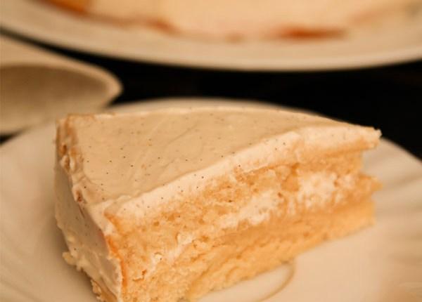 Healthy Vanilla Cake: Sugar Free #healthy #sugarfree #glutenfree