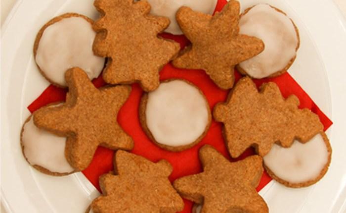 Healthy Lebkuchen Christmas Biscuits #healthy #christmas #refinedsugarfree #glutenfree #vegan #gifts