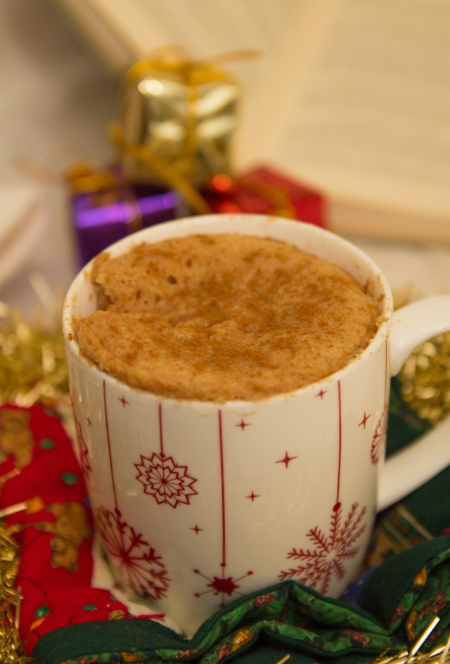Healthy Recipes to Bake this Christmas Healthy Snickerdoodle Mug Cake #healthy #mugcake #christmas #vegan #glutenfree #refinedsugarfree
