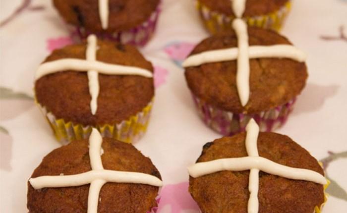 Healthy Hot Cross Muffins #healthy #glutenfree #refinedsugarfree #easter