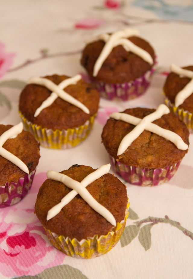 Healthy Hot Cross Muffins #healthy #glutenfree #refinedsugarfree #easter