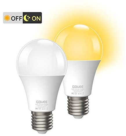 Govee Dusk to Dawn Light Bulbs Outdoor, Soft White Light Blubs 7W 2700K 600lm Auto On/Off Smart Bulb, E26/E27 Energy Saving Blubs for Garage Stairs Porch Courtyard Basement Patio, 2 Pack