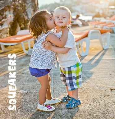 сквики - пищащая обувь для детей