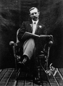 F.W.Boreham-SittingReadingABook
