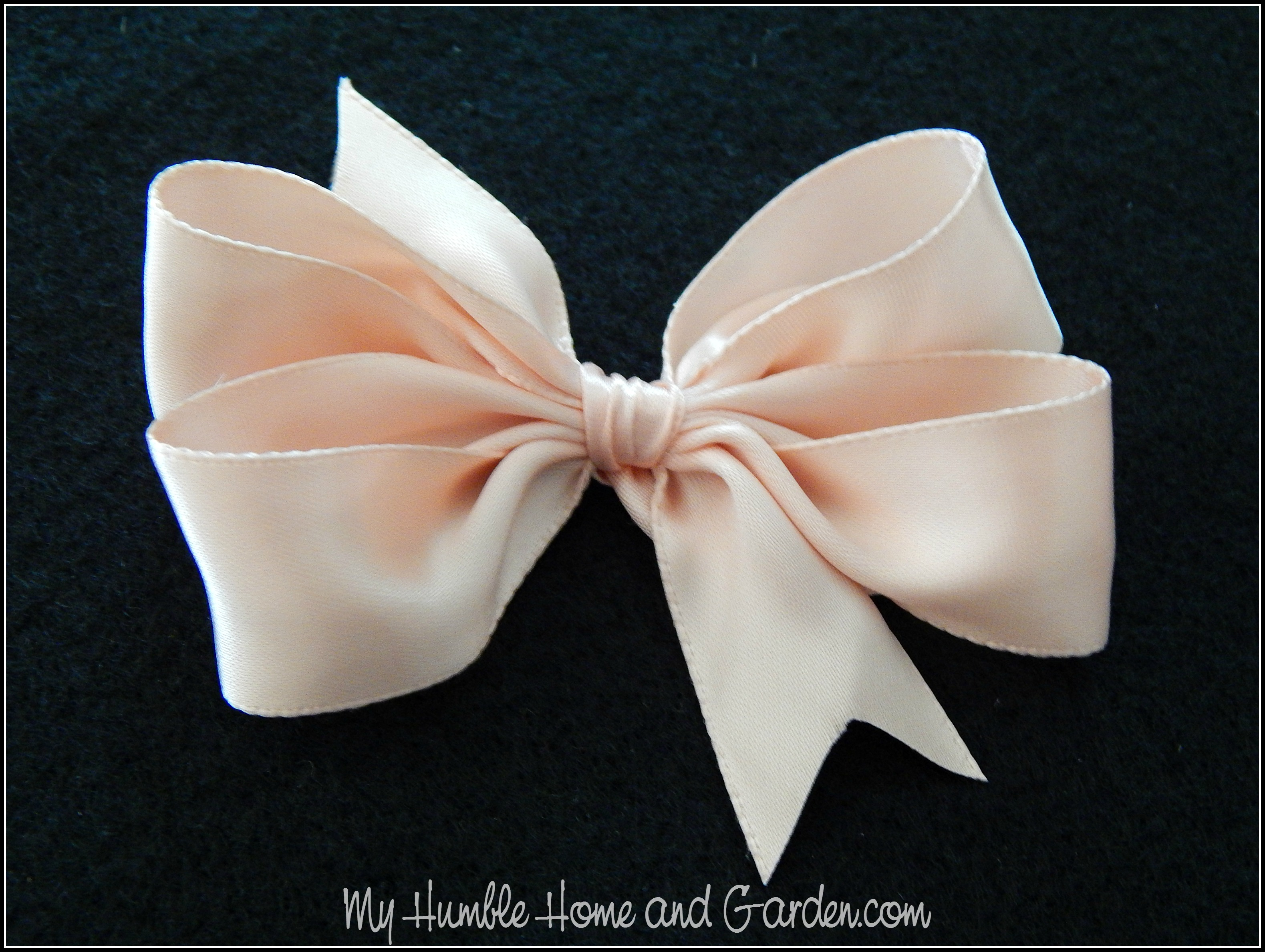 Easy DIY Hair Bows For Little Girls on MyHumbleHomeandGarden.com