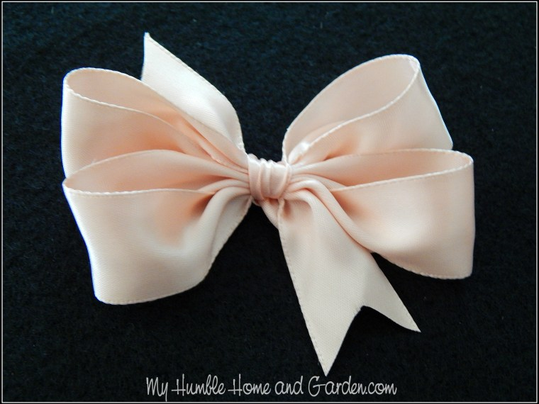 How To Make Easy DIY Hair Bows For Little Girls