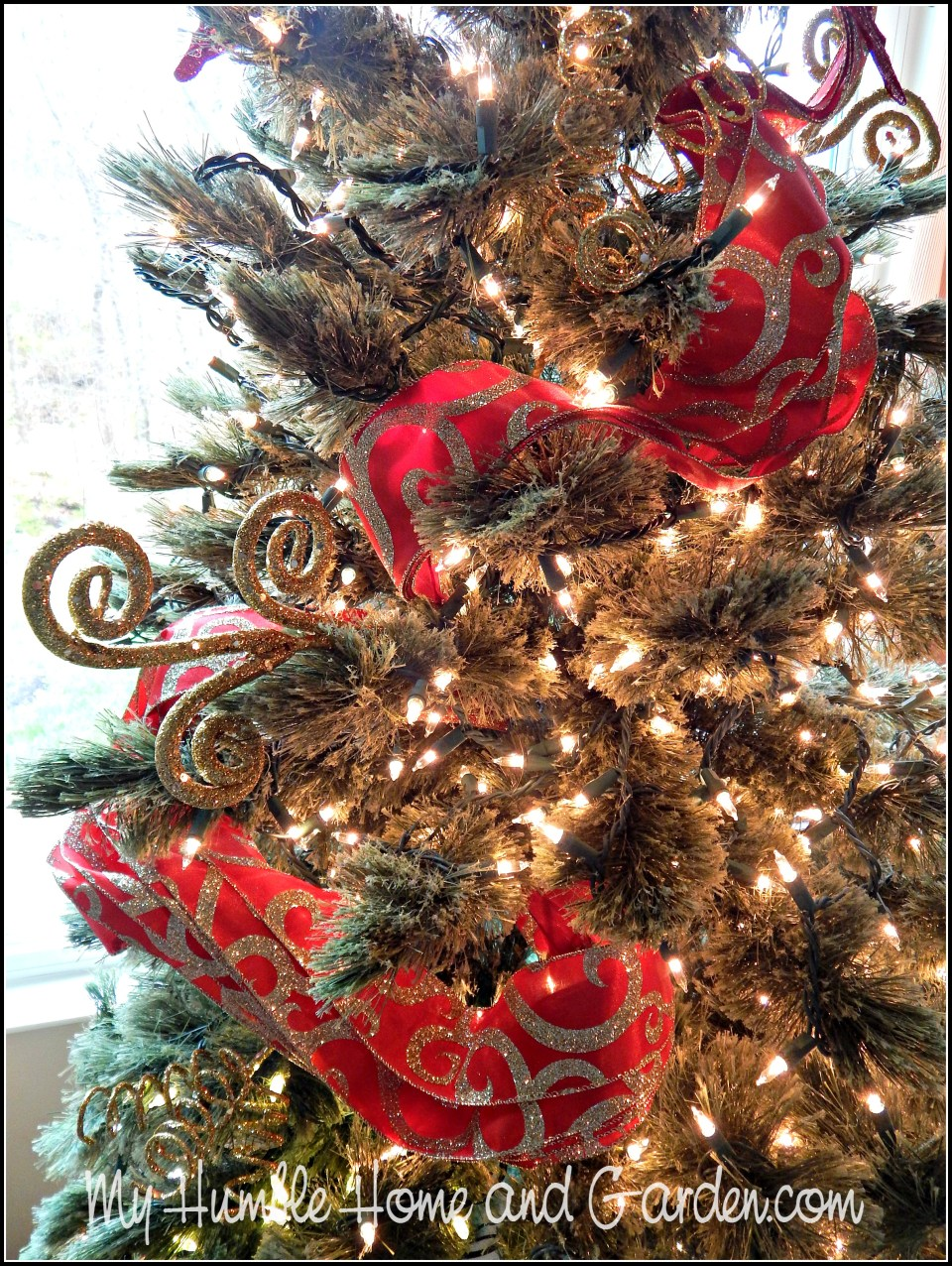 How To Make Your Christmas Tree Even More Beautiful!
