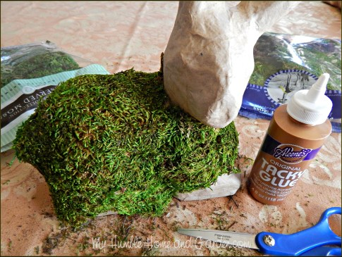 DIY Moss Covered Bunny on MyHumbleHomeandGarden.com