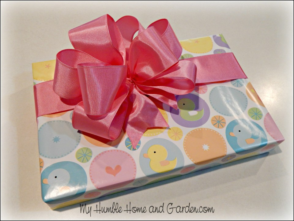 Beautiful Gift Wrapping – Step by Step Ribbon Bows