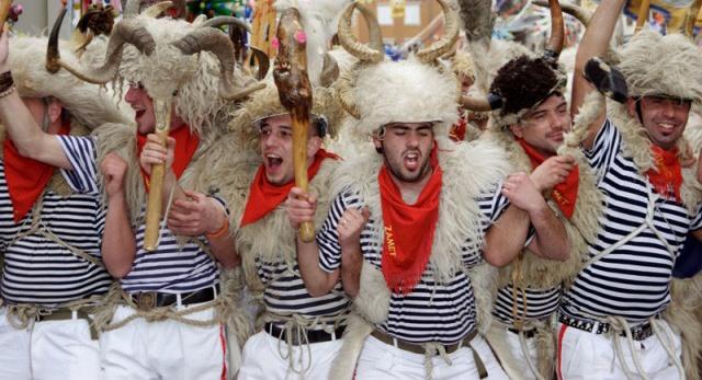 Hrvatska tradicija za Karneval, Mesopust, Poklade, Maškare. Značenje i povijest