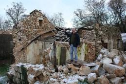 Ikelja i ruševine sela