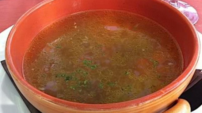 Tradicionalna bakina goveđa juha