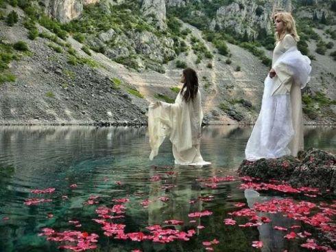 Imotske vile na jezeru foto Imota