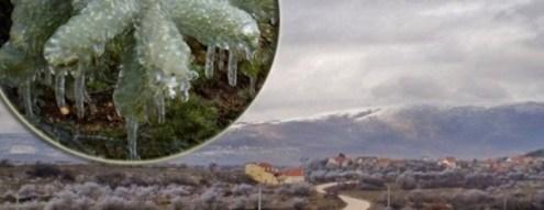 snjeg i zima na selu