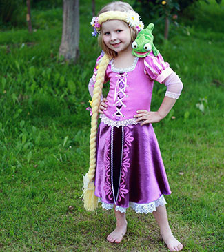 Rapunzel mekko (edessä)