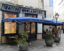 boulangerie on Rue des Rosiers