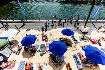 800px-Paris_Plage_July_25,_2012