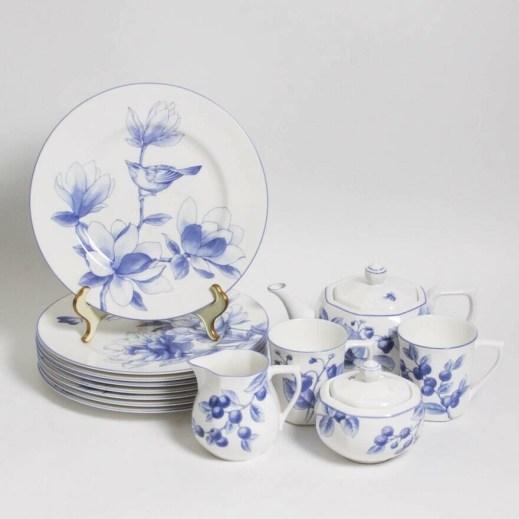 Blue_and_whte_tiffany_china.jpg