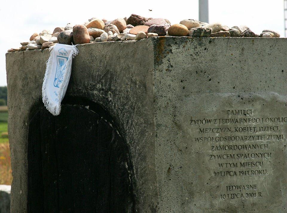 jedwabne pomnik