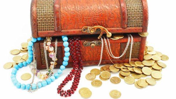 958040-money-jewels