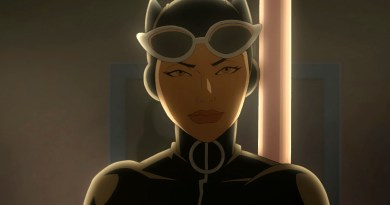 Eliza Dushku stars as Selina Kyle, the Catwoman.