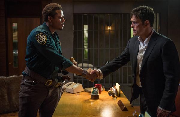WAYWARD PINES:  Ethan Burke (Matt Dillon, R) meets Sheriff Arnold Pope (Terrence Howard, L).  @2014 Fox Broadcasting Co.  Cr:  Ed Araquel/FOX