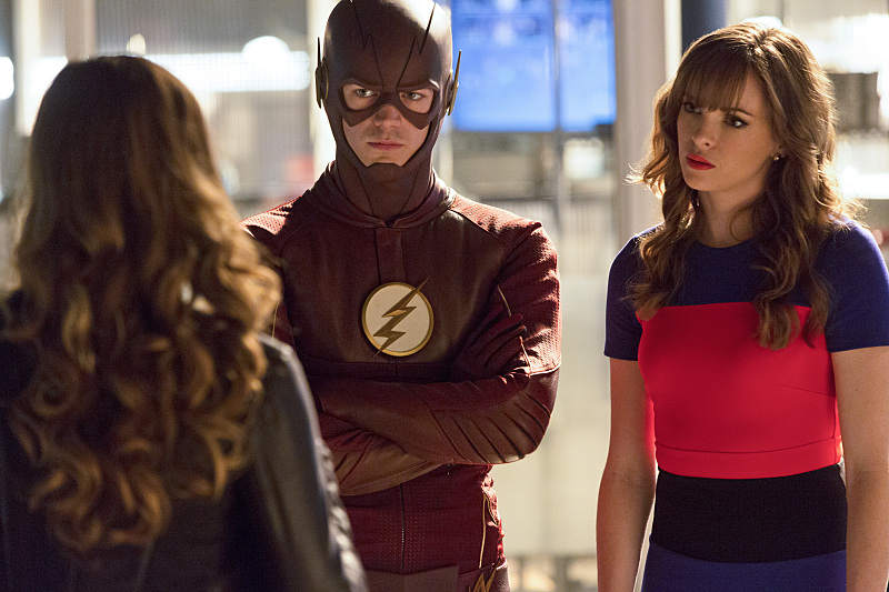 """The Flash -- """"Family of Rogues"""" -- Image FLA203a_0235b.jpg -- Pictured (L-R): Peyton List as Lisa Snart, Grant Gustin as The Flash, Danielle Panabaker as Caitlin Snow -- Photo: Jeff Weddell/The CW -- © 2015 The CW Network, LLC. All rights reserved."""
