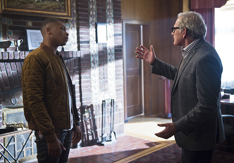 """Stein has some explaining to do...  -- Pictured (L-R): Franz Drameh as Jefferson """"Jax"""" Jackson and Victor Garber as Professor Martin Stein (Diyah Pera/The CW)"""