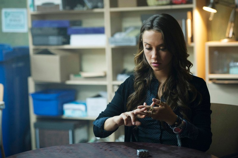 """THE MAGICIANS -- """"Consequences of Advanced Spellcasting"""" Episode 103 -- Pictured: Stella Maeve as Julia -- (Photo by: Carole Segal/Syfy)"""