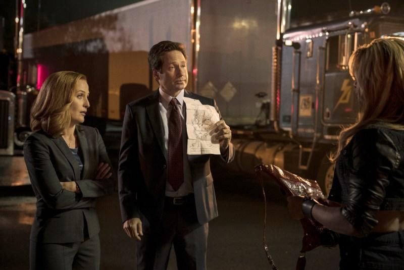 Scully and Mulder on the scene. (Ed Araquel/FOX)