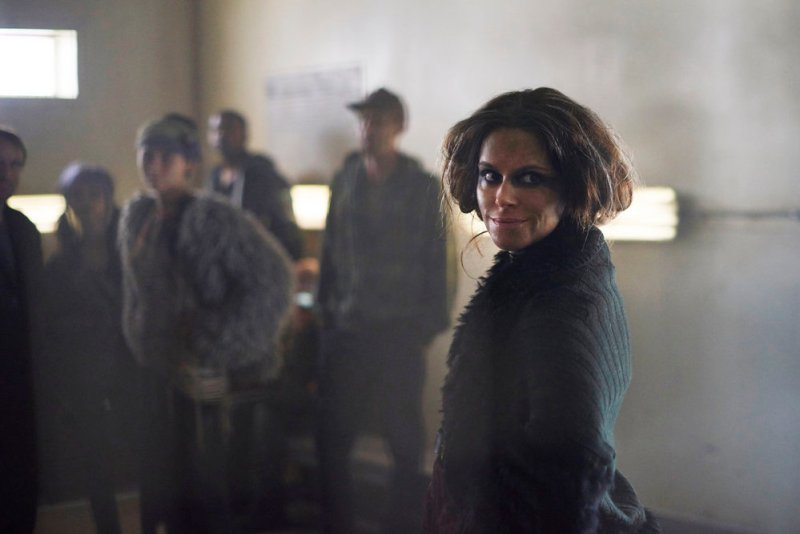 "12 MONKEYS -- ""Lullaby"" Episode 208 -- Pictured: Emily Hampshire as Jennifer Goines -- (Photo by: Russ Martin/Syfy)"